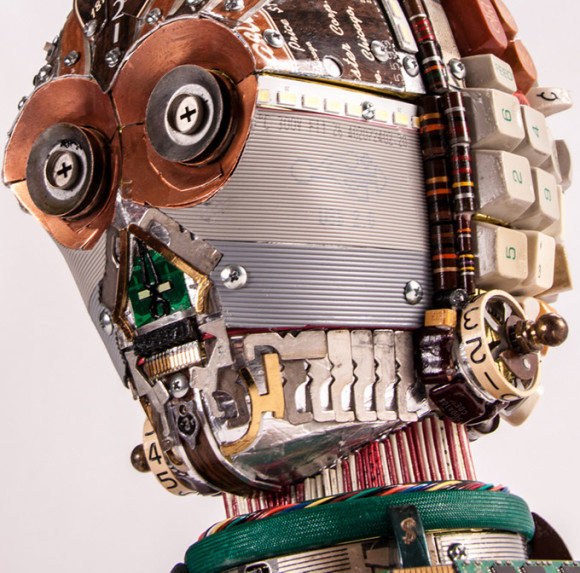C3PO--s-Head-Made-From-Computer-Components-3