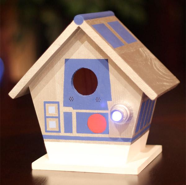 r2-d2_birdhouse